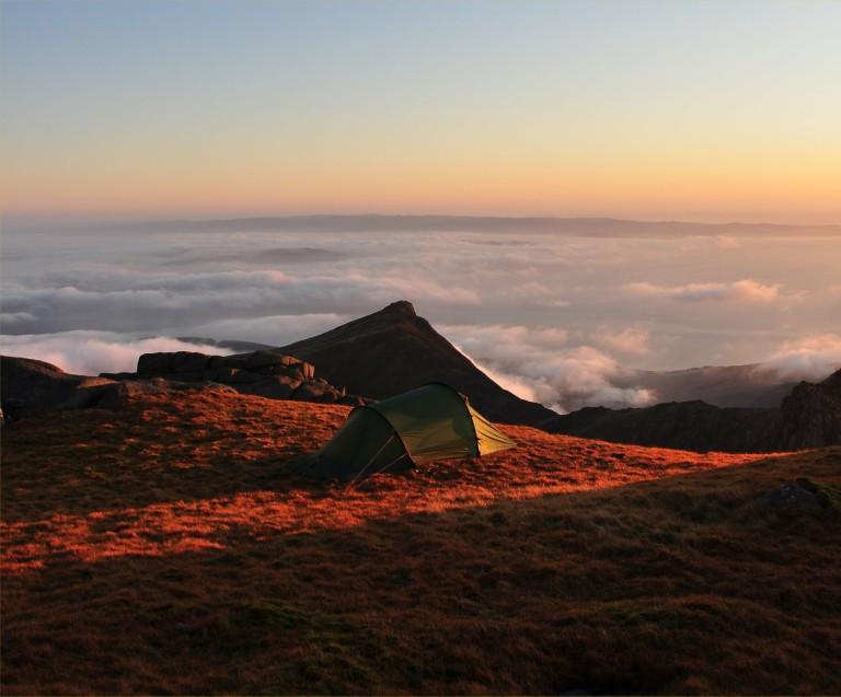 06 Nov Caisteal Abhail Nallo camp dawn inversion w b
