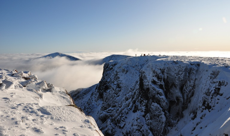 07 Nov climbers on Coire Bhrochain cliffs e