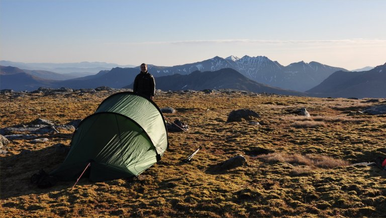 11 Apr H and tent on Beinn a Chaisgein Mor summit e