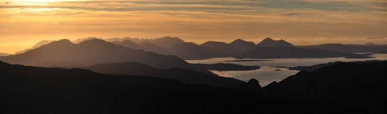26 Sept Skye from pitch sunset pano b